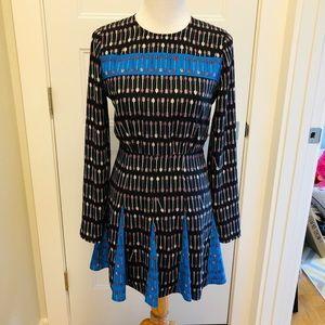 BCBG MaxAzria Arrow Print Dress - Size 4